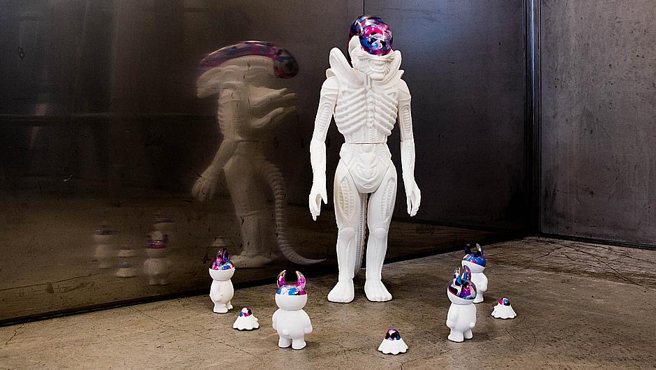 giant_alien_02